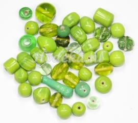 GMM28   50 gram Glaskralen mix Groen