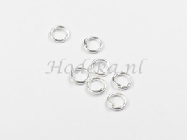 BHR17  50 ringetjes 5mm zilver kleur