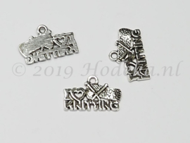 BDM58a  5 x  Bedel I Love Knitting Antiek zilver 13 x 20mm