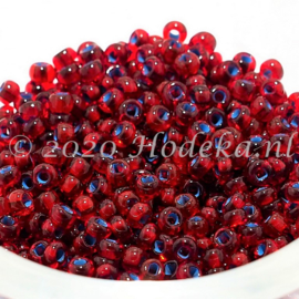 CRP08/71a  50 gram Preciosa Rocailles 8/0 Donker Rood Blauwe kern