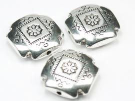 MLK11   2 x  Metallook kraal plat vierkant 22mm antiek zilver