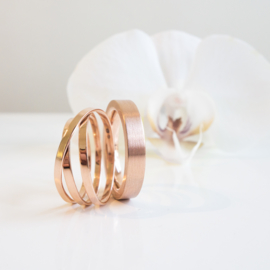 rose gold swirl wedding ring set