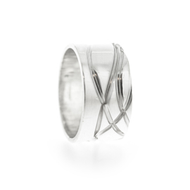 wide twirling ring silver
