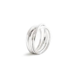 large round swirl ring