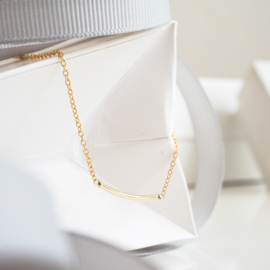 mini curve bracelet