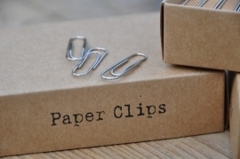 Doosje met paperclips