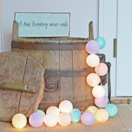 Cotton Ball Light - pastel