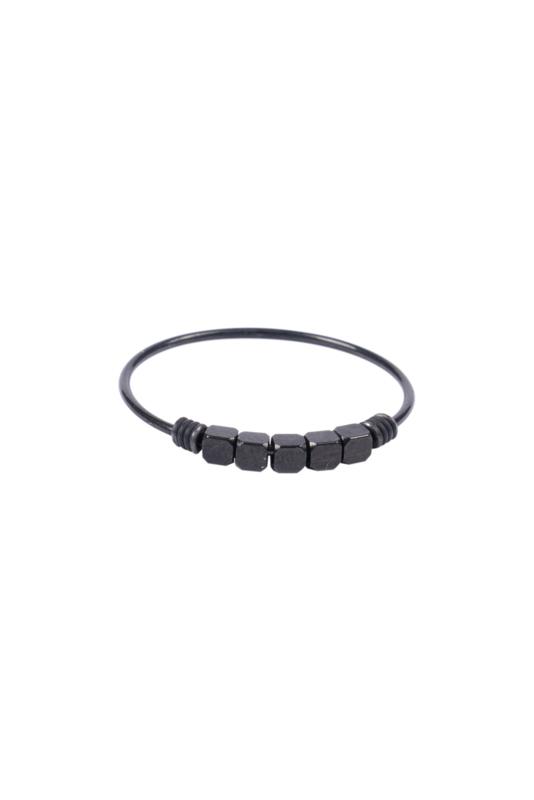 Zusss ring met kraaltjes - zwart