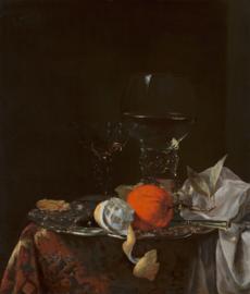 Kalf, Stilleven met fruit en glazen op een zilveren schaal