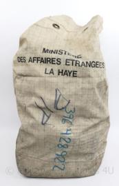Zeldzame postzak voor Diplomaten post Ministry Foreign Affairs The Hague - 76 x 29 cm - origineel