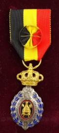 Belgische medaille van de Arbeid goud - ereteken van de arbeid 1e klasse - afmeting 8 x 15 cm - origineel