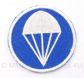 Overseas cap insigne - Parachute infantry - blauw met wit  - vanaf voorjaar 1941