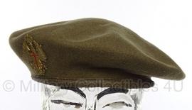 Spaanse baret groen - maat 59 - met insigne - origineel