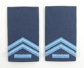 KLu Luchtmacht epauletten rang Korporaal der 1e klasse - per paar - afmeting 5 x 9,5 cm -  origineel
