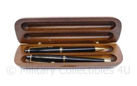 Defensie pennen in doosje in Tinebris Lucens Netherlands Defence Staff - 5 x 17 x 2 cm - origineel