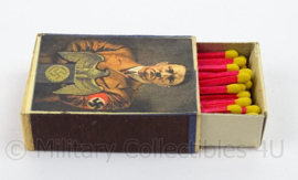 WO2 Duits luciferdoosje van echt hout - Fuhrer - afmeting 6 x 4 cm - replica