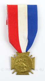 Franse medaille Journee du Poilu 1915 25-26 Decembre - goudkleurig - afmeting 3,5 x 9 cm - origineel