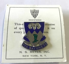 US Army 85th Infantry Regiment unit crest metaal - 3 x 2,7 cm - maker Meyer - origineel