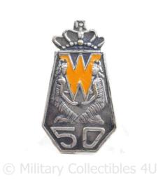 Metalen Koningin Wilhelmina 50 jaar regeringsjubileum speld 1898 - 1948 - 3,5 x 2 cm - origineel