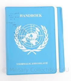 KL Landmacht  handboek VN/UN voormalig Joegoslavie - 14 x 15 x 2 cm - origineel