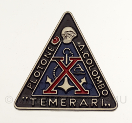 "WW2 Italian RSI PLOTONE A. COLOMBO ""TEMERARI "" DECIMA MAS badge  in geschenk- of displaydoosje"
