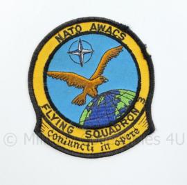 NATO Awacs flying squadron 3 Coniuncti in opere embleem - 10 x 9 cm - origineel