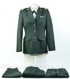 KL DT OLK dames uniform set 13e gemechaniseerde brigade Artillerie met medailles - Maat 34 - Origineel