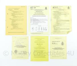 Nederlandse leger instructiekaarten set IK3-21 IK11-7 IK2-25 IK2-17 - origineel