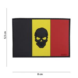 Embleem PVC 3D PVC  met klittenband - Vlag Belgie met zwarte skull er in - 8 x 5,5 cm.
