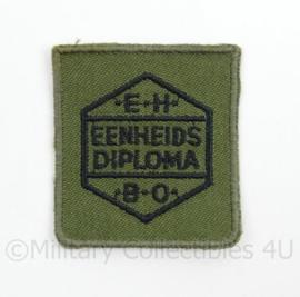 KL Landmacht borst embleem EHBO eenheids diploma voor op het GVT - groen - afmeting 4,5 x 5 cm - origineel