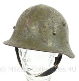 WO2 Bulgaarse M36 helm Type A met WO2 liner - origineel