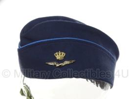 KLU Koninklijke Luchtmacht schuitje met lichtblauwe bies DAMES - maat 58 - origineel