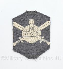 MVO Ministerie van Oorlog embleem - 7 x 5 cm - origineel