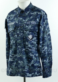 US Navy BDU field jacket met insignes en naam Dacosta - USN Navy blue digital - maat XSmall-regular - gedragen - origineel