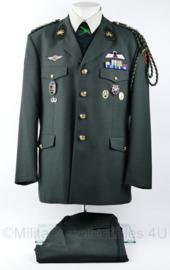 Zeer Zeldzame KCT Korps Commando Troepen DT set - maat 56 - met alle originele insignes - ingeruild van militair - origineel