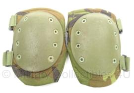KL Nederlandse leger kniebeschermers woodland - gebruikt - merk Hatch - origineel