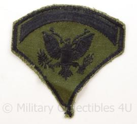 US Army Vietnam oorlog arm embleem - rang Specialist Five - Cut edge Subdued - afmeting 7,5 x 7,5 cm - origineel