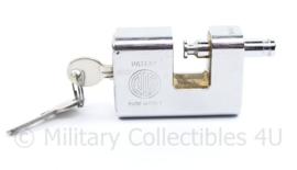 Defensie gepantserd slot voor oa wapencontainer - nieuw - 6,5 x 2,5 x 4,4 cm - origineel