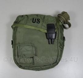 Veldfles 1,9 liter model - met GROENE HOES  - origineel US Army