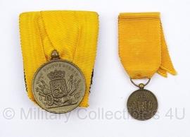 Bronzen Nederlandse medaille set voor 12 jaar Trouwe Dienst - Juliana - origineel