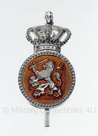 Petembleem Koninklijke Marechaussee- oud model manschappen type 2 - 5 x 3 cm. - origineel