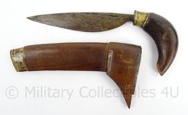 Handgemaakt mes met houten schede - Antiek - afmeting 21 x 8 cm - origineel