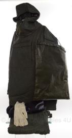 KL NBC M82 parka en broek - parka, broek en tas (zonder schoenen en gloves)- Maat Midden - origineel