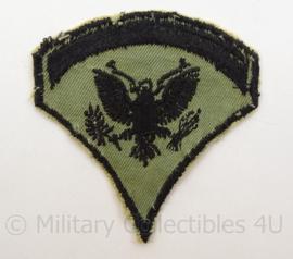 US Army Vietnam oorlog arm embleem - rang Specialist Five - Cut edge Subdued - afmeting 7,5 x 8 cm - origineel