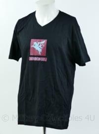 T shirt zwart - met opdruk Pegasus Airborne British Parachute Regiment - maat Large of XL