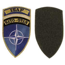 NATO OTAN ISAF insigne met klittenband - origineel