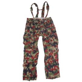 Zwitserse leger M70 camo broek met bretels - meerdere maten - origineel