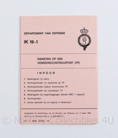 Kmar Koninklijke Marechaussee IK  19-1 diensten op een verkeerscontrolepost -15 x 10 cm -  origineel