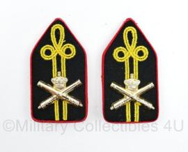 Defensie DT kraagspiegel paar Militaire Academie Artillerie - 8 x 4 cm - origineel
