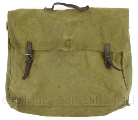 WO2 Duitse stoffen groene kleding tas uit 1943 - gestempeld 1943 - 30 x 38 cm - origineel